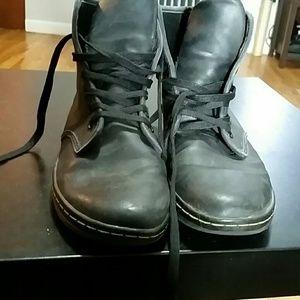 Dr. Martens Shoreditch Lace up Lightweight Boots
